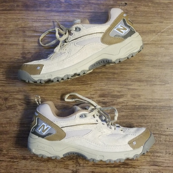 New Balance Shoes - New Balance Women's WW643 ABZORB Country Walker